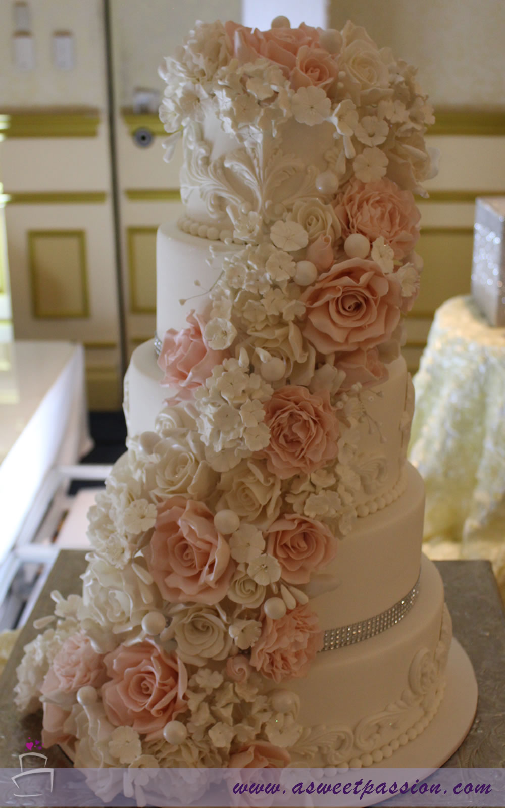 cascading roses wedding cake cascading flowers wedding cake sweet cakery 12431