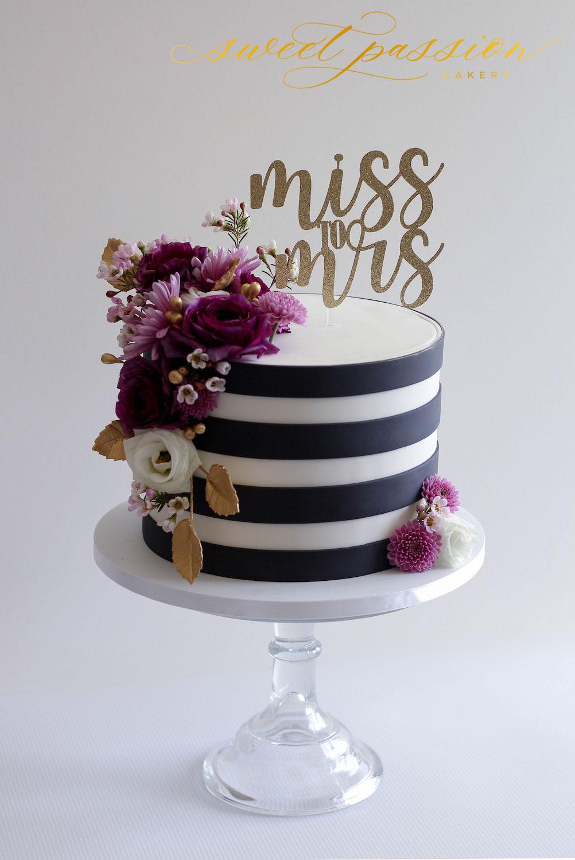 MissMrsBlackStripe